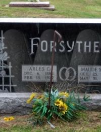 Arles & Maude Forsythe grave marker