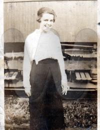 Helen M. Gibson - Hartzdale, PA 1919