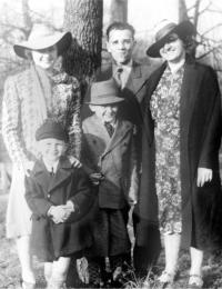 Dorothy Hanah, Edward & Marie Uhl, Eddie Jr. & George