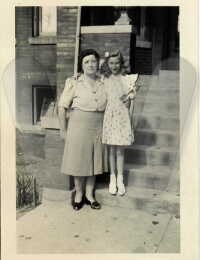 Rose (Murack) Starosta with daughter Virginia