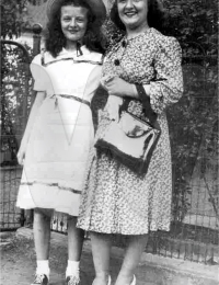Mary Manley with her sister, Georgia